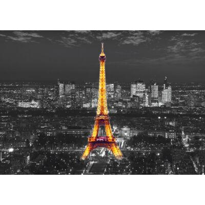 Kivilágított Eiffel-torony poszter